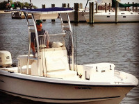 2005 Sea Hunt Navigator 22' with SG300