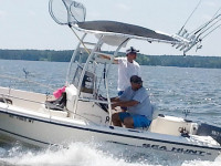 2003 Sea Hunt Triton 172 with SG300