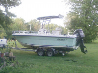2004 ANGLER 220 CENTER CONSOLE with SG600