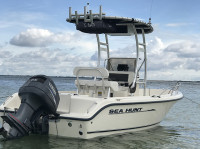 2003 Sea Hunt Triton 186 with SG300