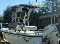 1997 Boston Whaler Outrage 17 with SG900 T-Top