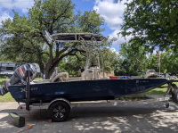 2017 Xpress H2O Bay 20'  with SG600 T-Top