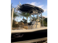 2020 Scout 195 Sport Fisher boat t-top