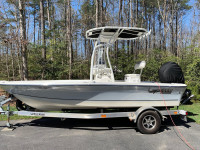2020 Mako 19 CPX with white boat t-top