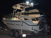 2003 Century 2000 Center Console with SG600 T-Top