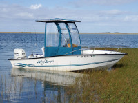 2000 Key Largo 175 with SG300 T-Top