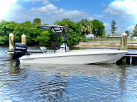 2010 Paramount 21 with SG600 T-Top